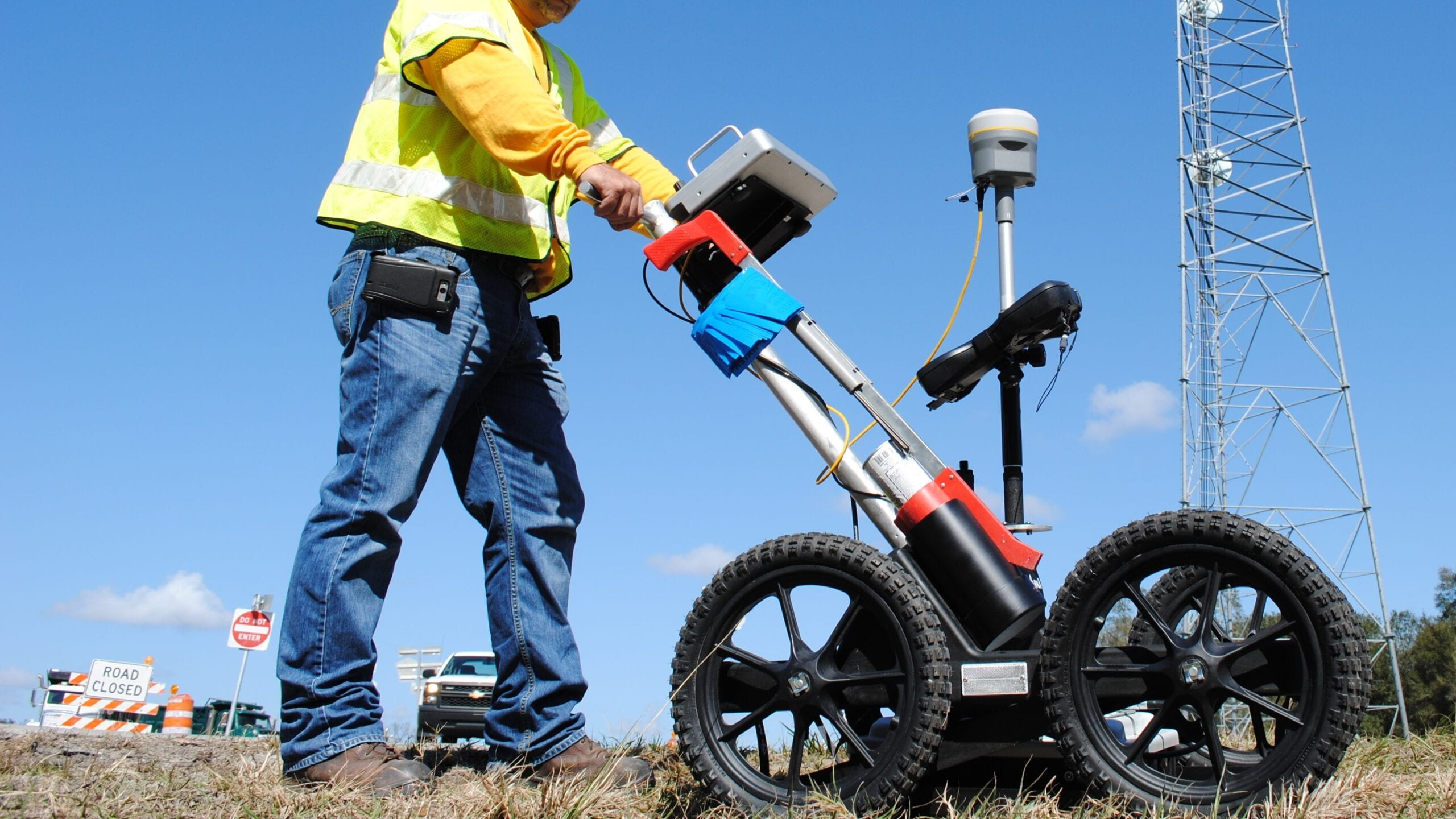 <b> GROUND PENETRATING RADAR (GPR) </b>   <br>Essential Tool for Utility Locating & Detecting Subsurface Features </p>